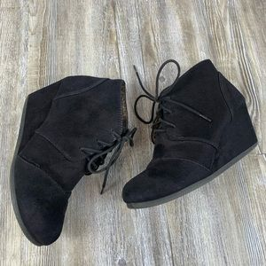 Cityclassified Black Wedge Laceup Ankle Boot SZ 7